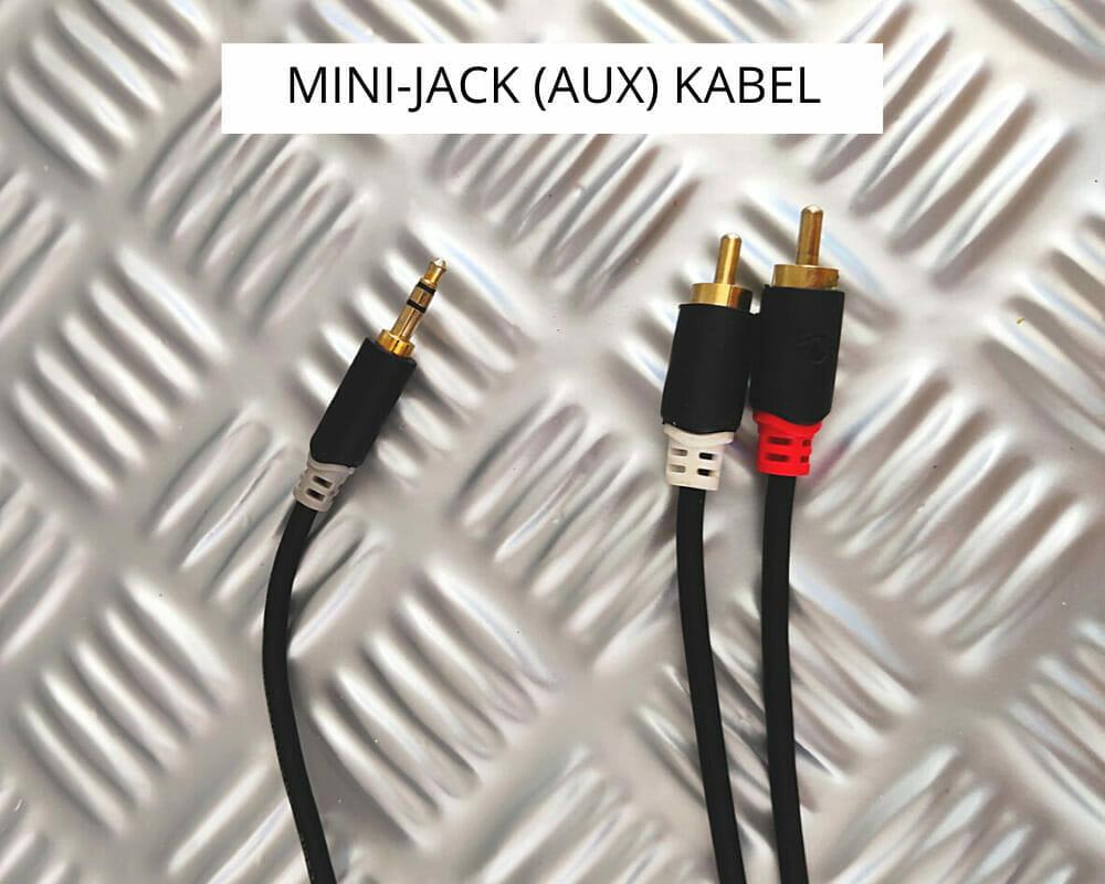 Mini-jack (AUX) aansluiting voor de zenders